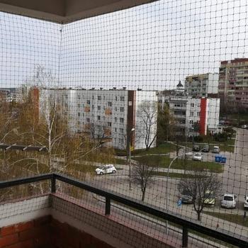 siatki-na-balkon75