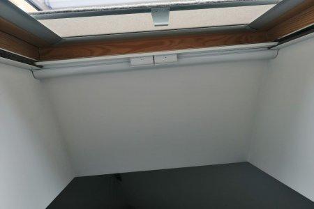 Moskitiery dachowe rolowane ramka dol